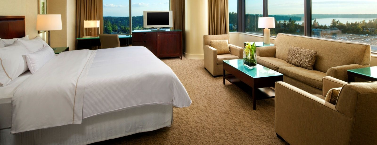 The Westin Bellevue Hotel - Corner Studio Suites